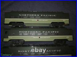 4 Car Lionel Trains 6-19167-19170 Northern Pacific Vista-Dome Passenger Set