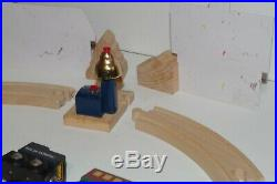 BRIO Polar Express Wooden Train Set Engine Passenger Car Snowman Christmas Bell