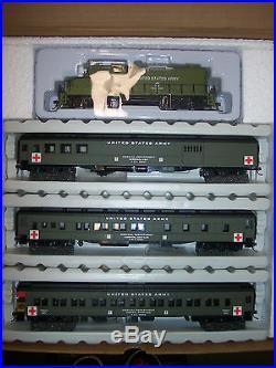 HO IHC MILITARY HOSPITAL TRAIN SET GP-20 LOCOMOTIVE With3 PASSENGER CARS #20080-GP