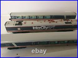 Hornby Advanced Passenger Train Apt 5 Car Set