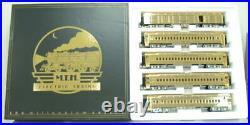 MTH 20-4029 NYC 5-Car Millennium Gold Plated Passenger Set EX/Box