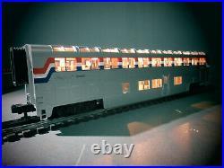 MTH Amtrak 4 Car SCALE Superliner passenger Set 20-6524 O. B. C-8. 3 STRIPE